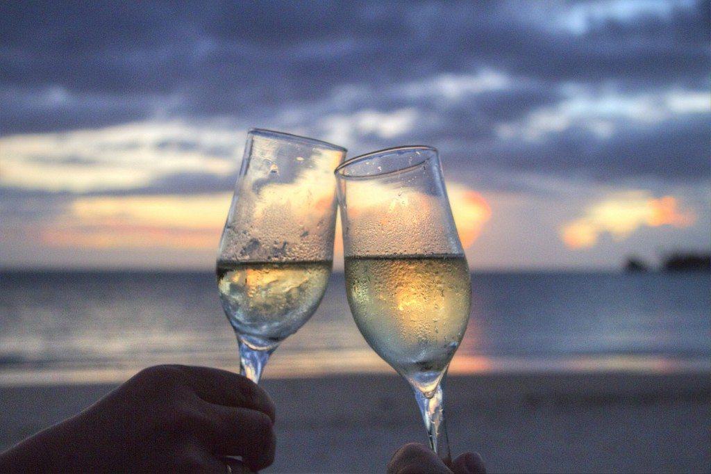 glasses cheers