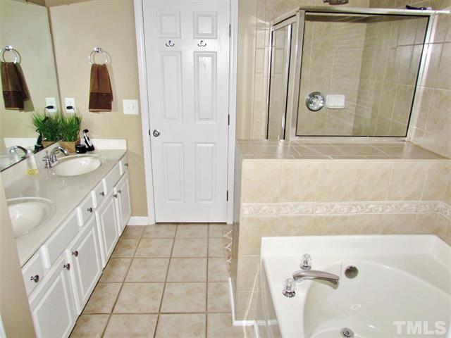8419 Stone Mason Drive Raleigh LuxuryMovers Real Estate