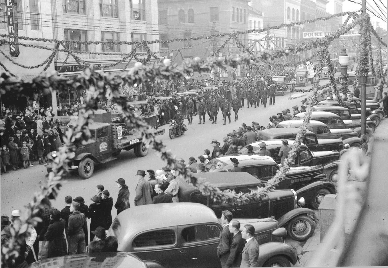 Throwback Thursday: 1938 Raleigh Police Christmas Parade on ...