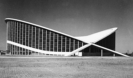 orton Arena black and white