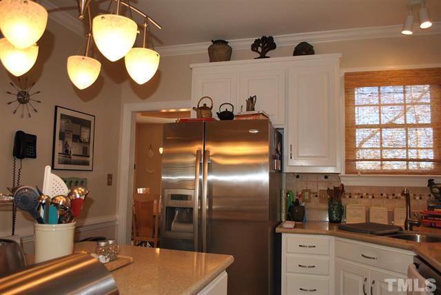 8205 IvyMount Way Raleigh NC - Your LuxuryMovers Real Estate 10