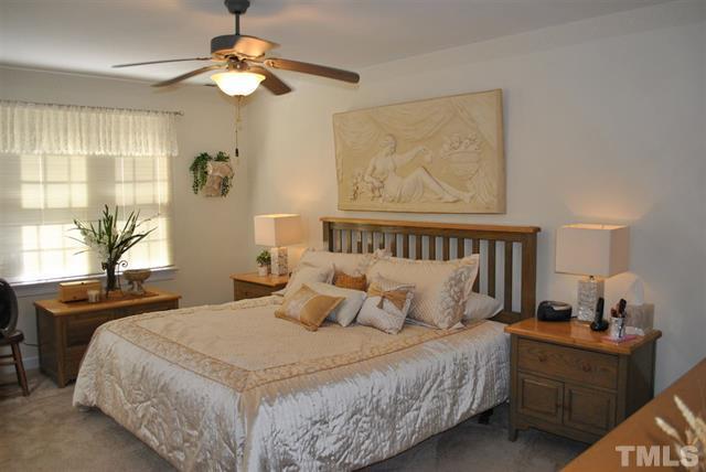8205 IvyMount Way Raleigh NC - Your LuxuryMovers Real Estate 14