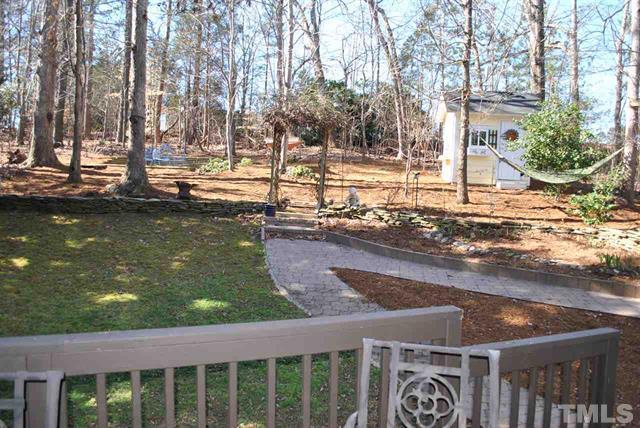 8205 IvyMount Way Raleigh NC - Your LuxuryMovers Real Estate 24