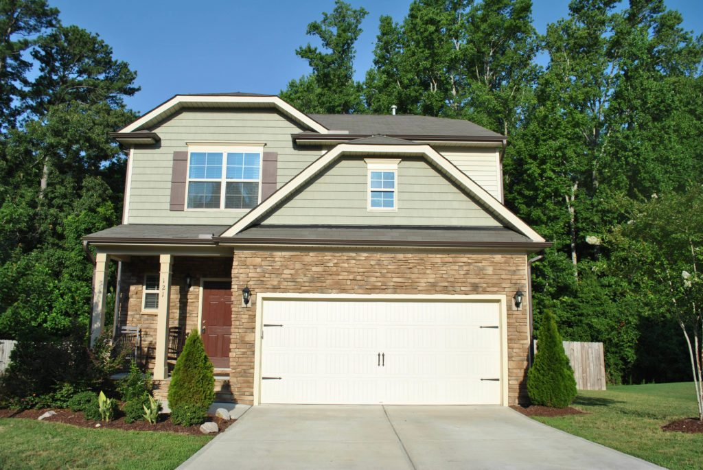 121 Willow Weald Fuquay Varina NC - Your LuxuryMovers Real Estate